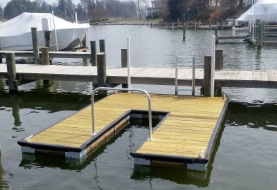 10 x 13 slot dock with ladder