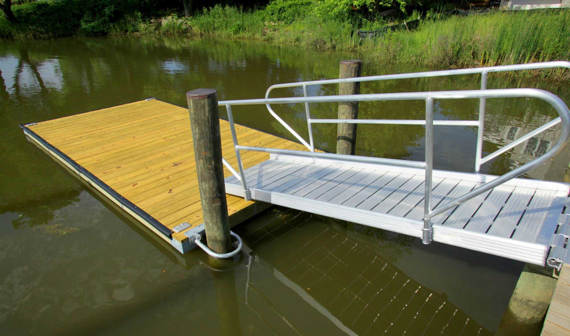 rowing-dock-with-removable-gangway-rails-